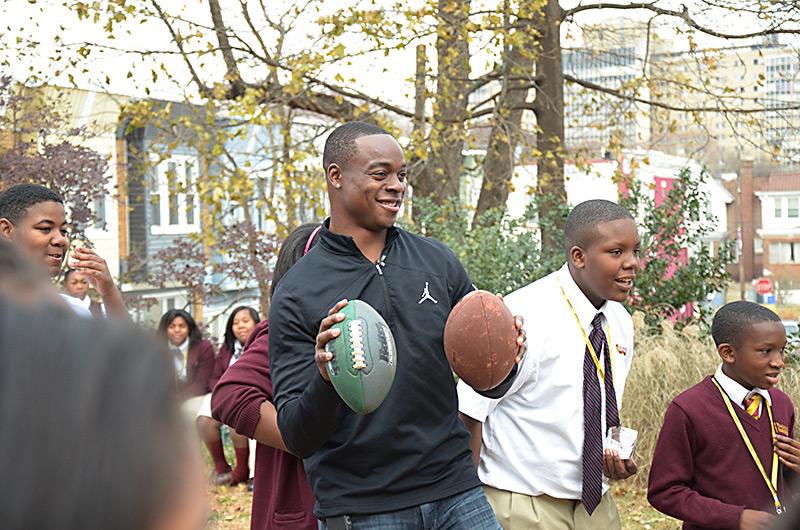 Philadelphia Eagles Wide Receiver Jeremy Maclin speaks to St. James School students